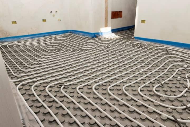 Vloerverwarming Droog Systeem komt in noppenplaten te liggen