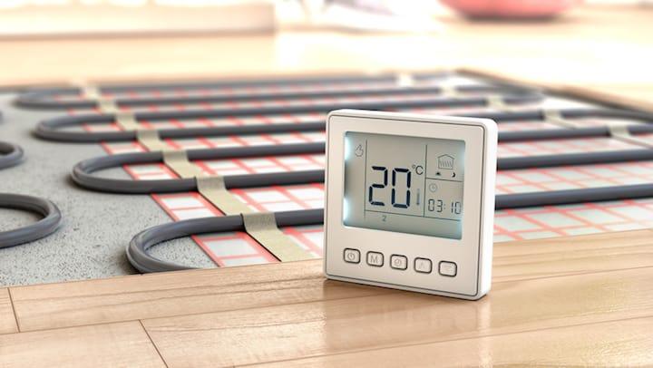 Vloerverwarming instellen door stapsgewijs op te warmen