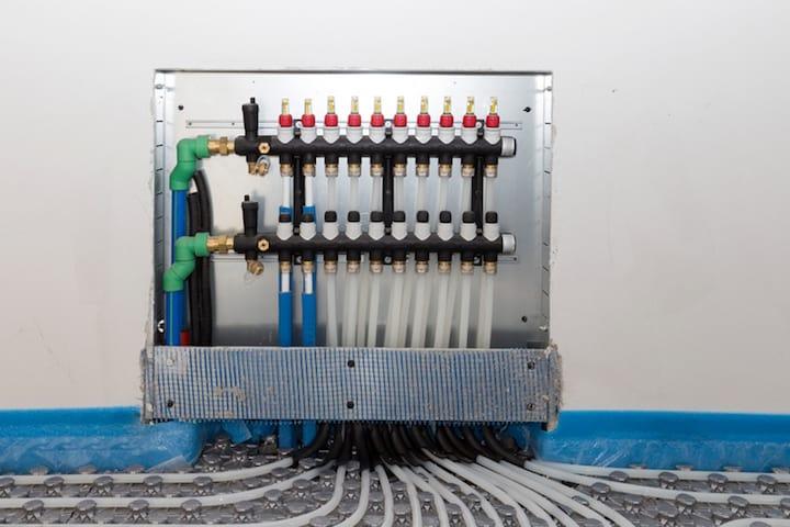 Hoe vloerverwarming met moppenplaten aanleggen?